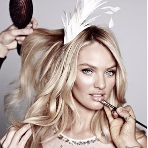 Candice Swanepoel is using Instagram