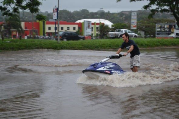 Dustin Motzouris jet skis through Empangeni