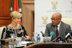 Hollywood actress and UN Messenger for Peace Charlize Theron and South African President Jacob Zuma at the Union Buildings in Pretoria, 29 July 2013 (Photo: GCIS)