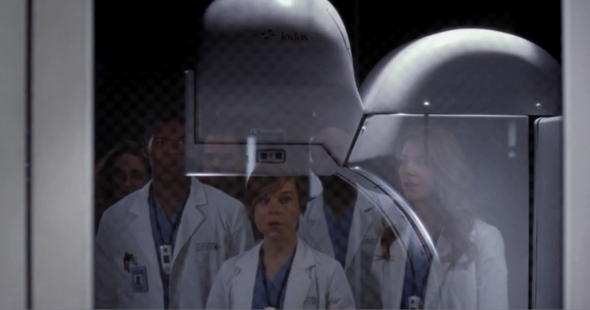 The characters on Grey's Anatomy gaze in wonder at the South African scanner