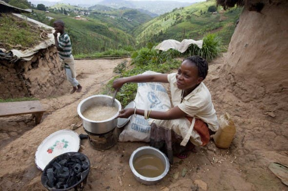 Foreign aid helps refugees in Rwanda