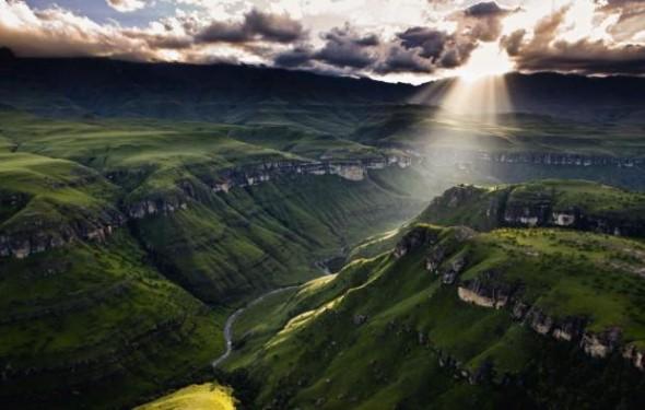 The breathtaking Drakensberg (www.all-that-is-interesting.com)