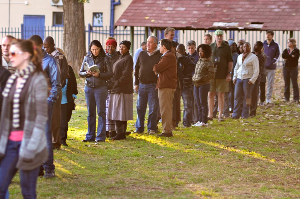 Queue for SA elections 1994