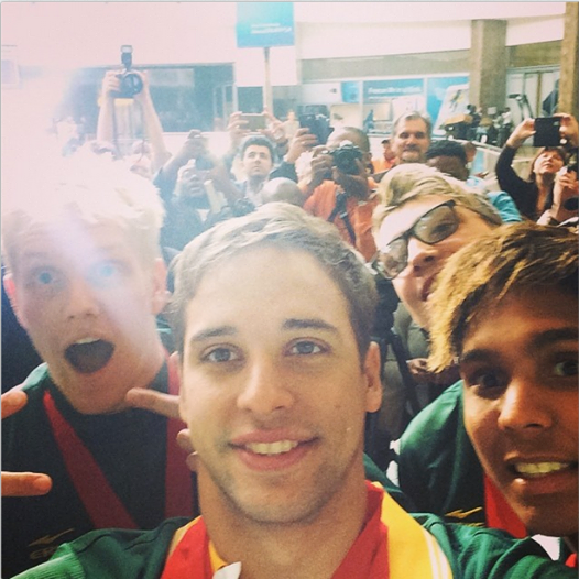Chad le Clos selfie at South African airport
