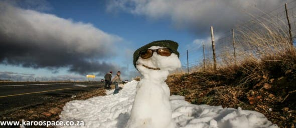 Pop-up snowmen go up all over the wintery Karoo.