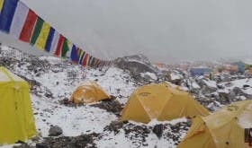 sapeople - mt everest avalanche at base camp