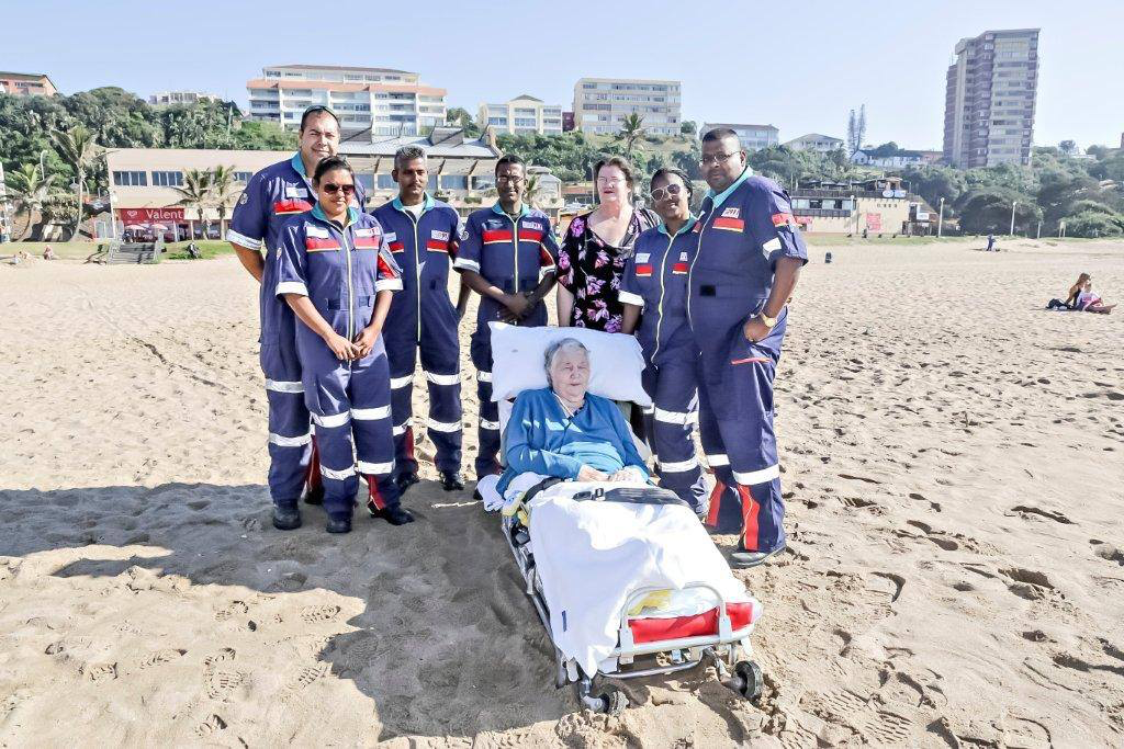 Martie fulfilled her dream of seeing the ocean again, thanks to East Coast Radio's Damon Beard and Netcare 911 Pics: Netcare 911