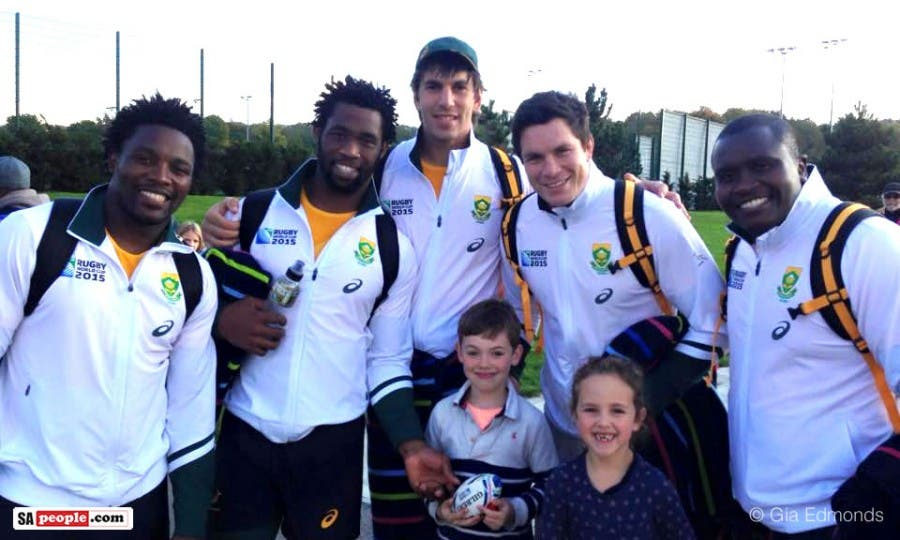 Springboks with fans, at training field in Surrey