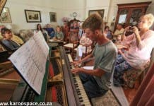 Karoo piano player