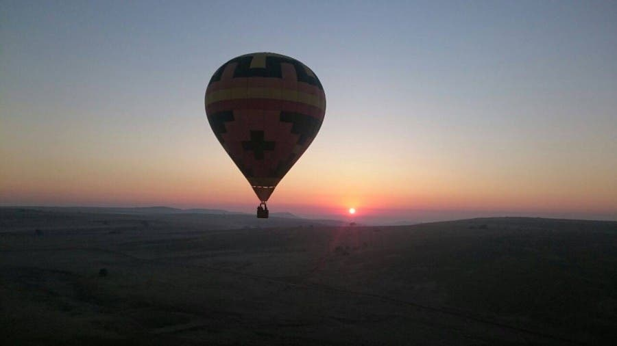 Hot air balloon over the Magaliesberg