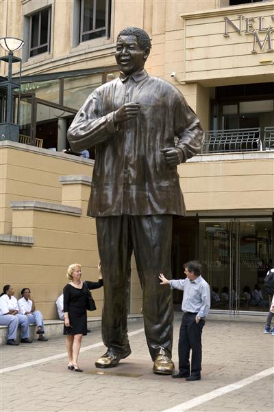 mandela-statue