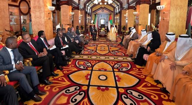 President Jacob Zuma with the Prime Minister of the United Arab Emirates, Sheikh Mohammed bin Al Rashid Maktoum at the Zabeel Royal Palace, Dubai. Source: GCIS
