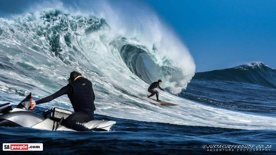 Dungeons Hout Bay surfing2