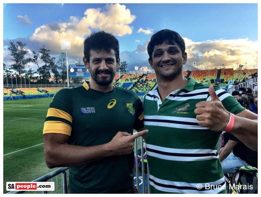 SA-fans-flag-rugby-sevens-rio1