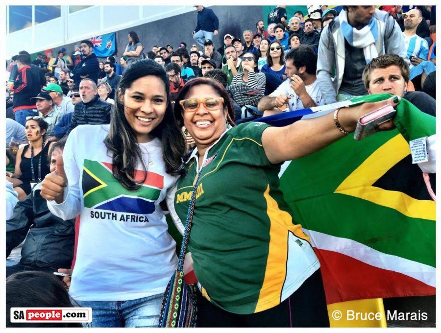 SA-fans-flag-rugby-sevens-rio2