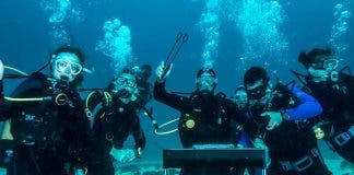 scuba-divers-on-heritage-day-south-africa