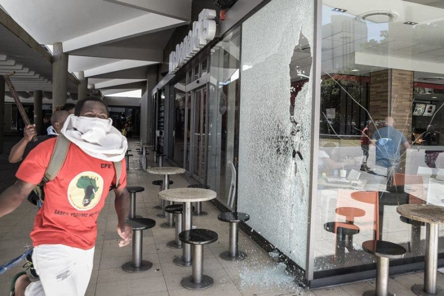 cape-town-macdonalds-during-protests