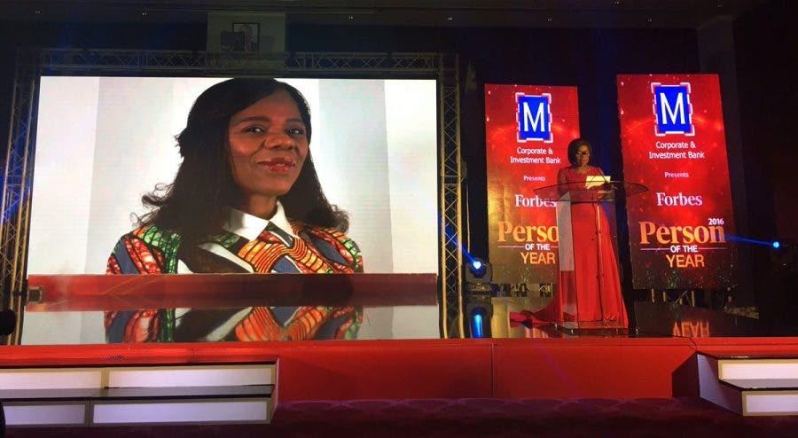 Adv Thuli Madonsela accepts her award in Nairobi. Source: Twitter