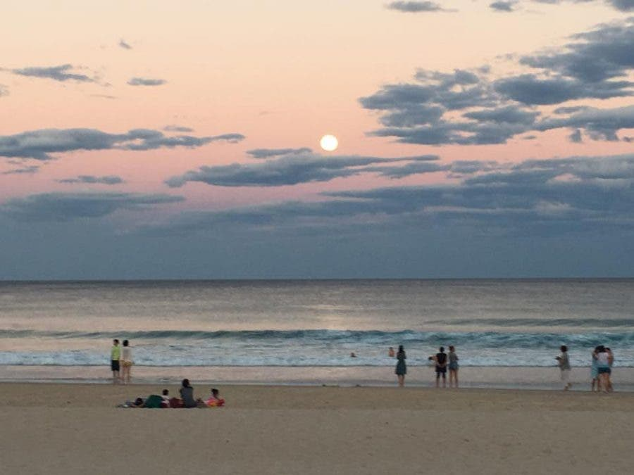 Supermoon in Australia, by Gavin Baxter