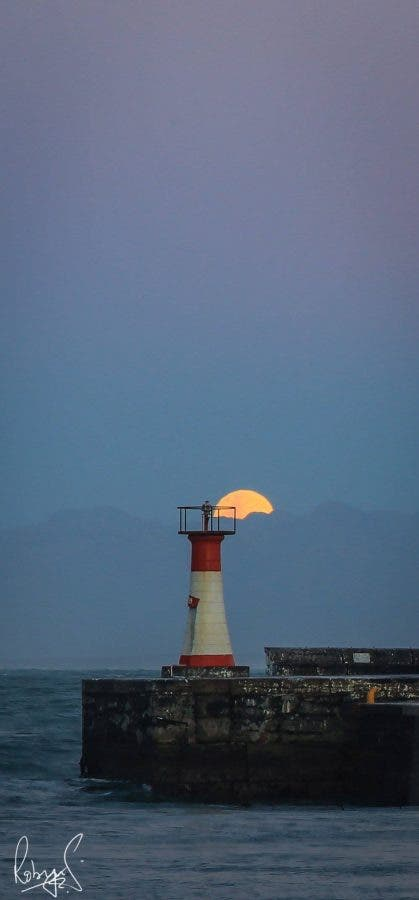 supermoon-lighthouse-kalk-bay-2