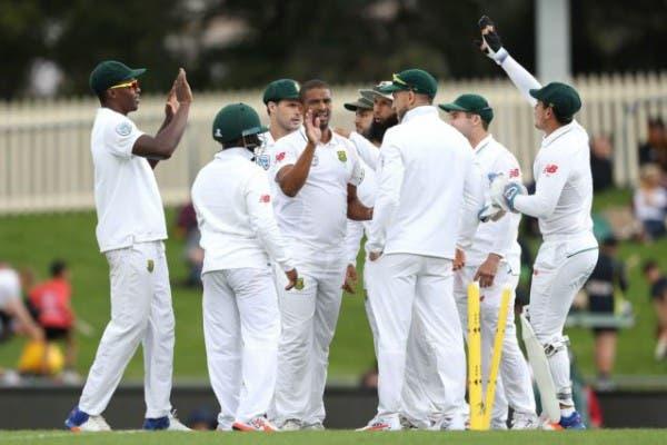 Proteas celebrate after Vernon Philander got a wicket. Source: Cricket.co.za