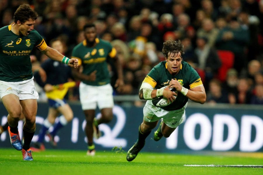 LONDON, ENGLAND - NOVEMBER 05: Francois Venter of South Africa scores a try during the Killik Cup match between Barbarians and South Africa at Wembley Stadium on November 5, 2016 in London, England. (Photo by Joel Ford/Getty Images)