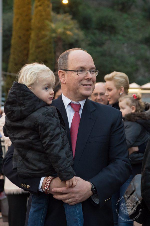 prince-albert-and-twins-at-christmas3