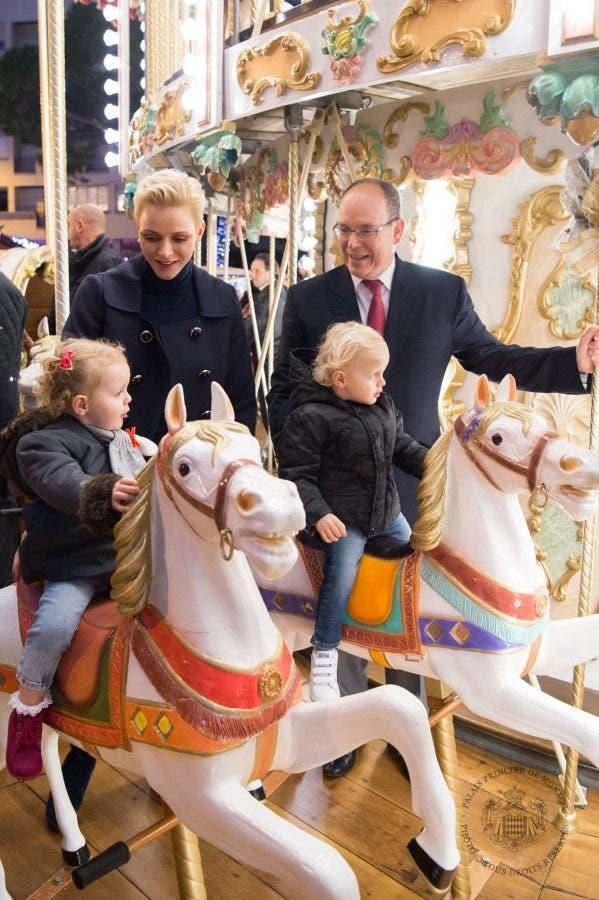 princess-charlene-prince-albert-and-twins-at-christmas