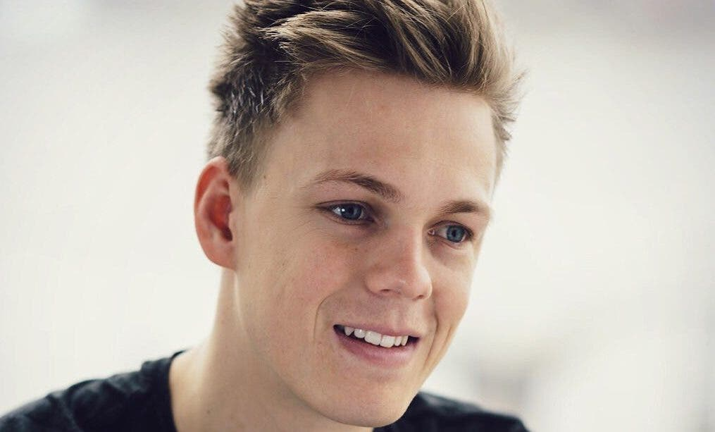 South African YouTube Sensation Caspar Lee Gets an Invite ...