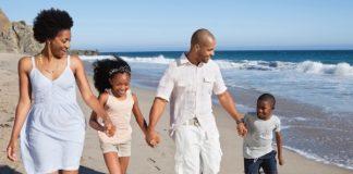 vacation-family-beach