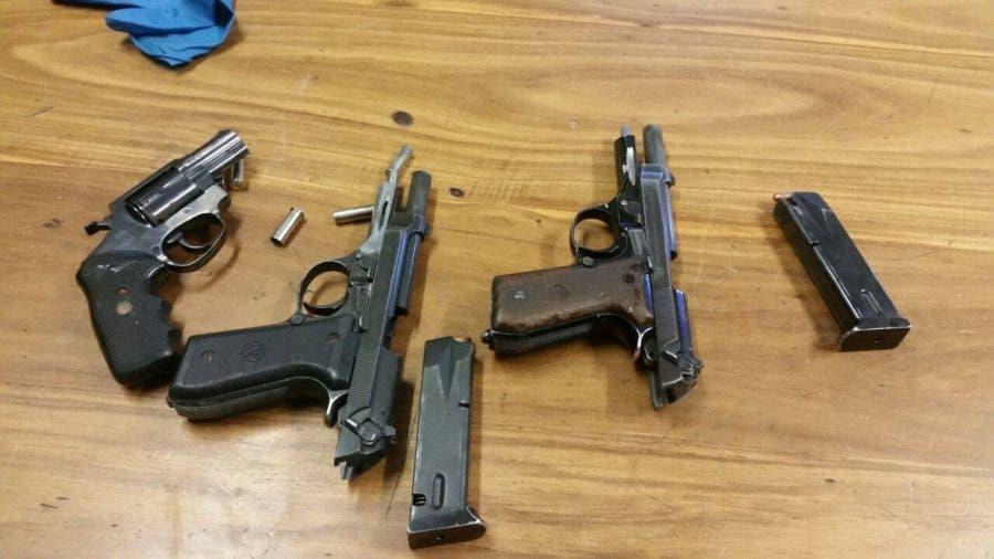 guns firearms