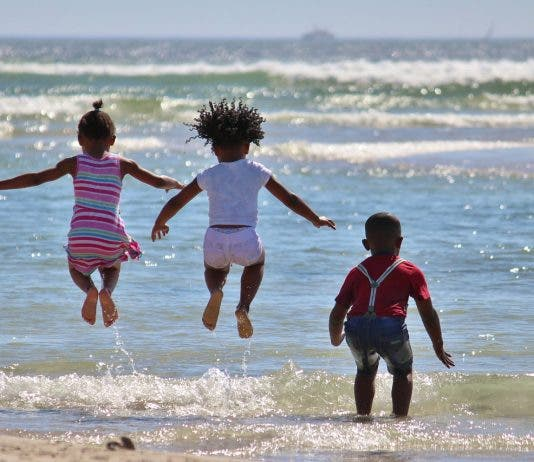 Children visiting South African from abroad no longer require unabridged birth certificate