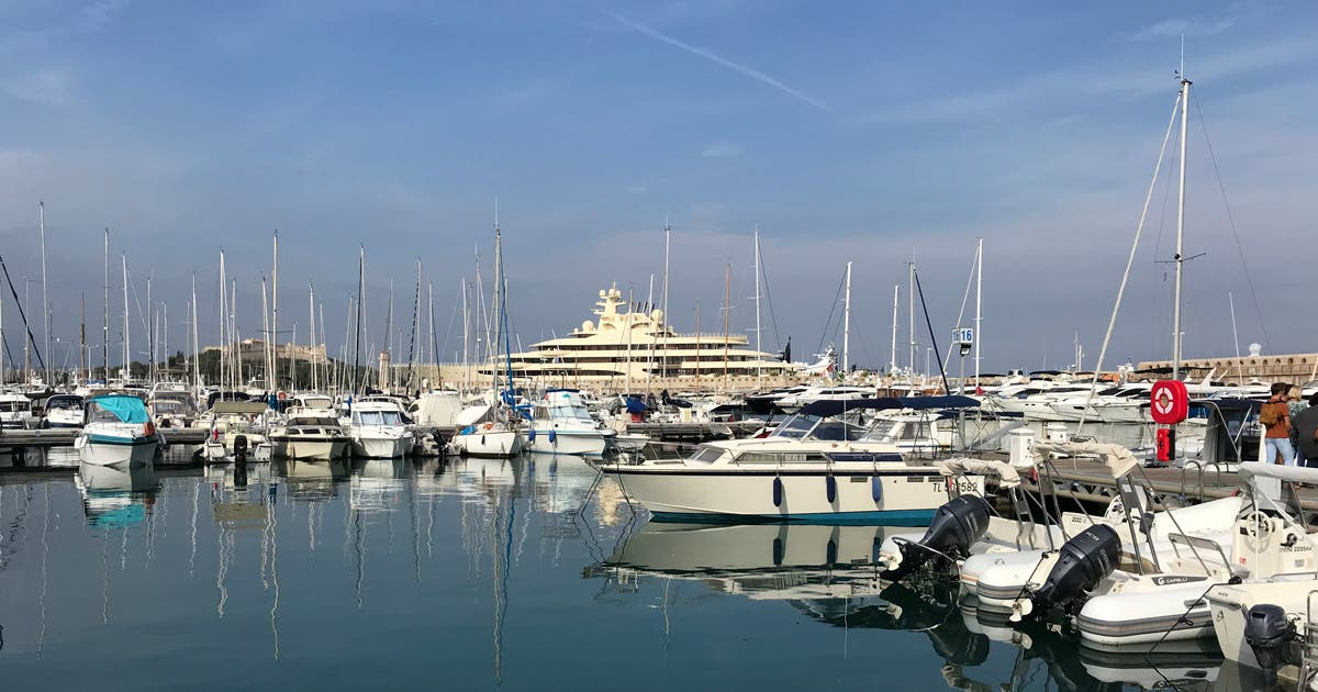 super-yachts-antibes-france