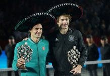 federer breaks world tennis attendance reocrd
