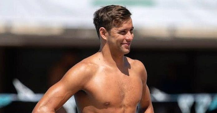 chad-le-clos-wins-gold-south-african-swimmer