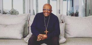 archbishop-desmond-tutu-in-hospital