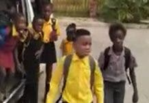 58-children-packed-over-loaded-taxi-south-africa