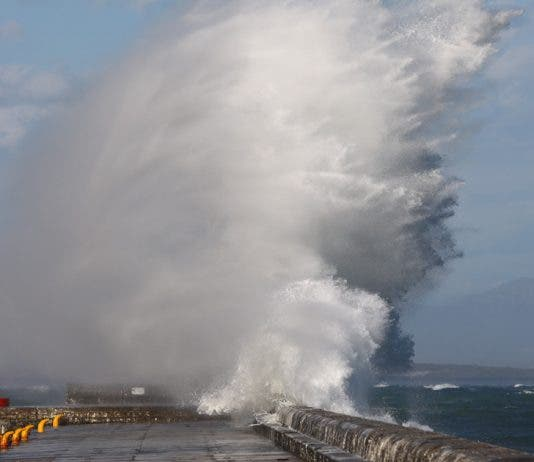 kalk bay harbour big waves