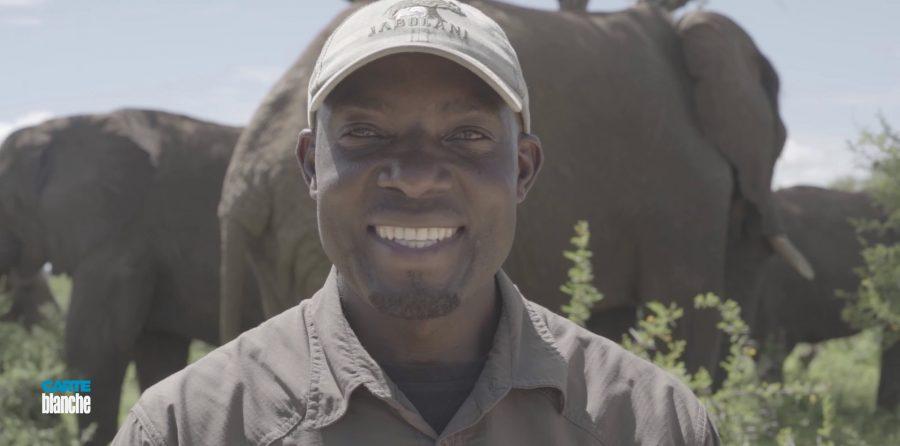 owen caring for elephants jabulani