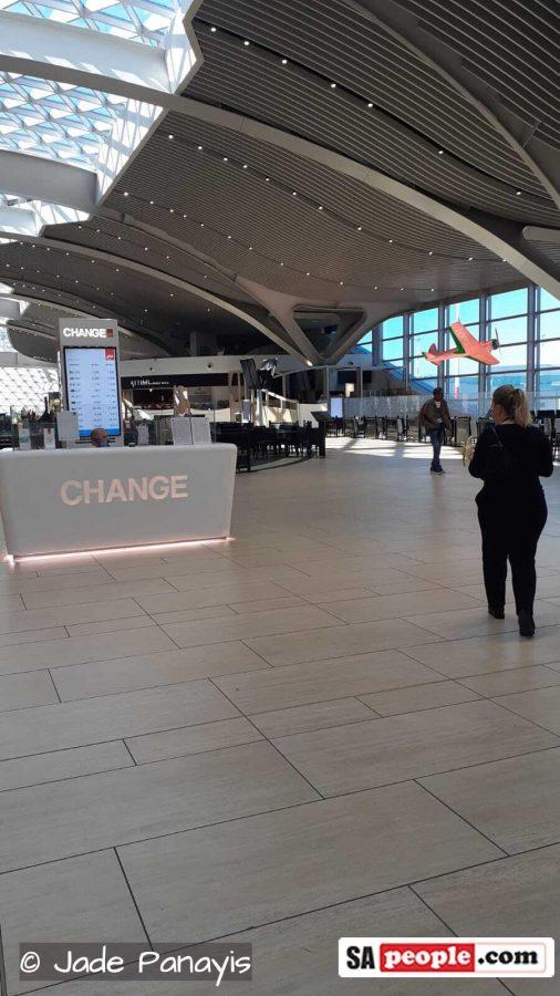 coronavirus rome italy airport empty