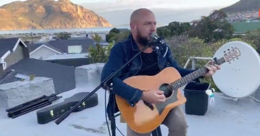 just-jinger-south-africa-sing-rooftop-hout-bay