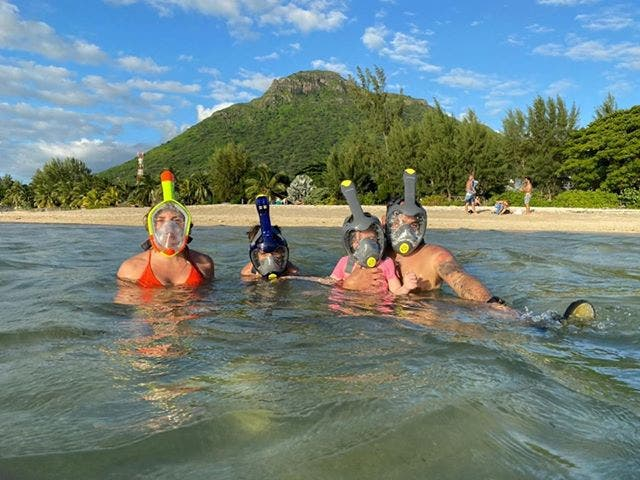 south african family stranded mauritius sea