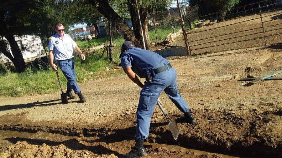 police assist kimberley residents 3 flooding