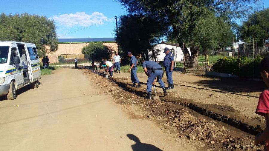 police assist kimberley residents 3 flooded