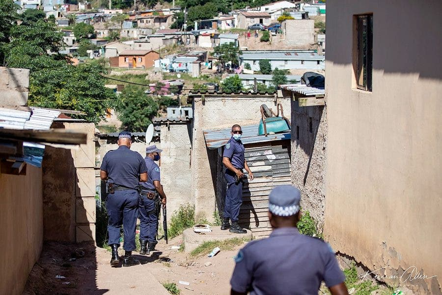 anarchy-police-food-parcels-south-africa