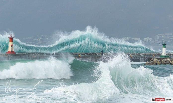 Man Wave Kalk Bay