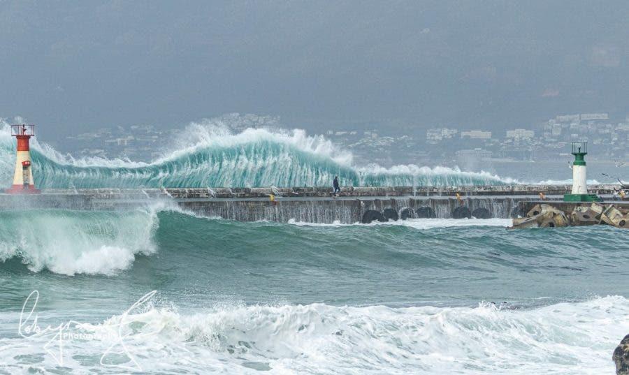 Man Wave Harbour Wall Kalk Bay