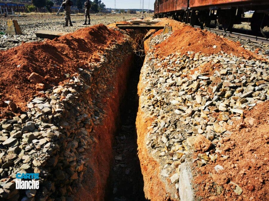 carte blanche train looting copper cable theft