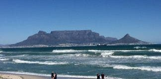 table mountain bloubergstrand table bay cape town south africa travel