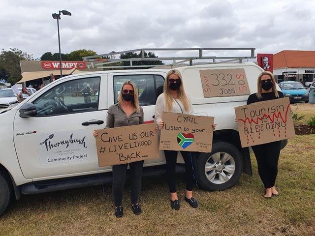 SAFARI OPERATORS protest south africa open tourism